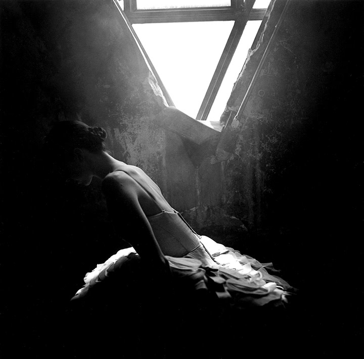 Rodney Smith, Deanna Leaning Beneath Window, The Cloudroom, New York City, 1999
