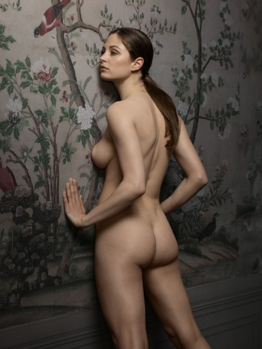 <span class=&#34;title&#34;>Female Nude No. 6<span class=&#34;title_comma&#34;>, </span></span><span class=&#34;year&#34;>2015</span>