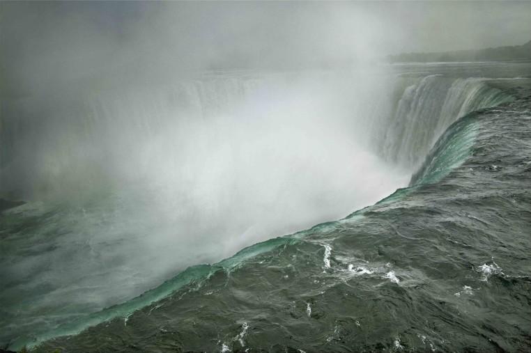 """<span class=""""title"""">Niagara Falls, Ontario, Canada<span class=""""title_comma"""">, </span></span><span class=""""year"""">2009</span>"""