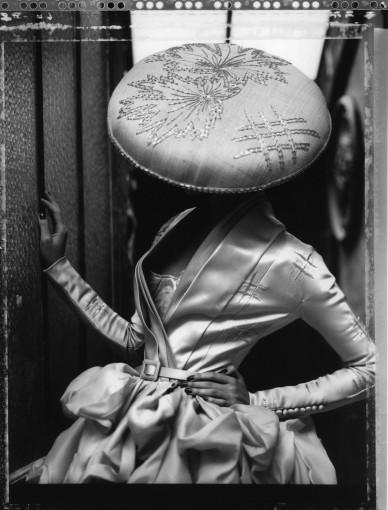 <em>La Fille en platre VIII, Dior Collection Summer 2007, Paris</em>, 2009