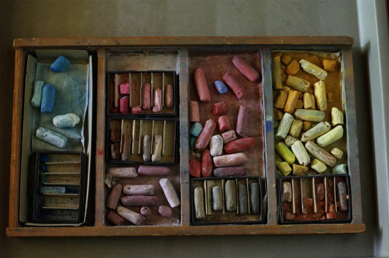 """<span class=""""title"""">Georgia O'Keefe's Pastels, Georgia O'Keefe Museum and Research Centre Santa Fe, New Mexico<span class=""""title_comma"""">, </span></span><span class=""""year"""">2010</span>"""