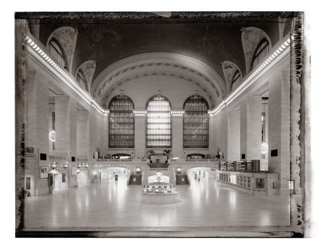 "<span class=""title"">Grand Central Terminal II, New York<span class=""title_comma"">, </span></span><span class=""year"">2001</span>"