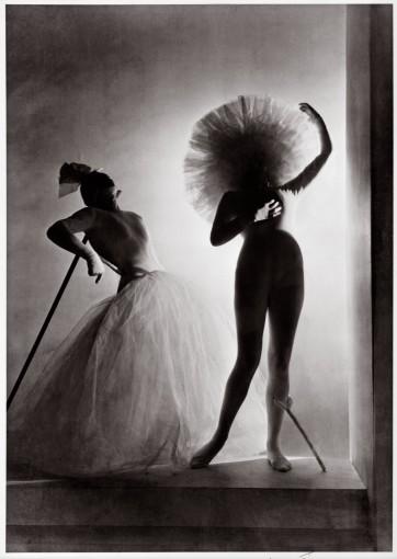 <em>Dali Costumes</em>, 1939