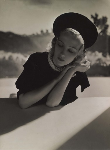 <em>Madeleine Ozeray, Chapeau Talbot</em>, 1935