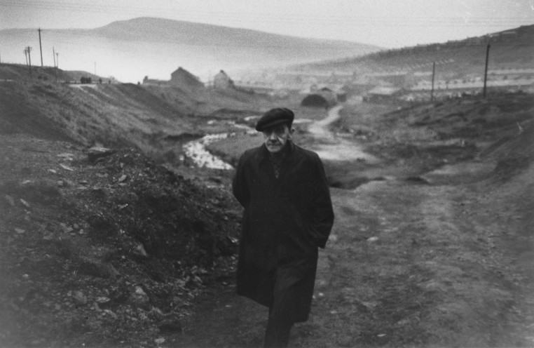 <p>In the Background - Caerau, His Village (Ben James),&nbsp; 1951&nbsp;&copy;&nbsp;Robert Frank</p>