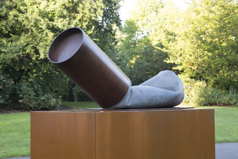 Claes Oldenburg, (b. 1929) Fagend Study, 1975. Photo by Claudia Leisinger.