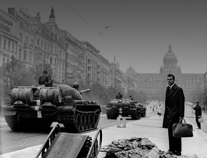 Photo © Jan Němec, The Soviet invasion to Czechoslovakia on 21 August, 1968 (St Wenceslas Square, Prague).
