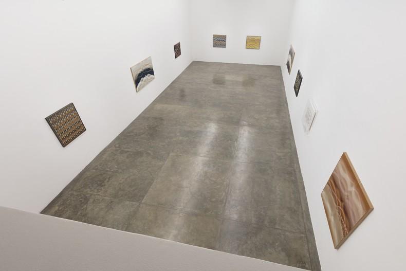 vista da exposição -- foto Everton Ballardin © Galeria Nara Roesler