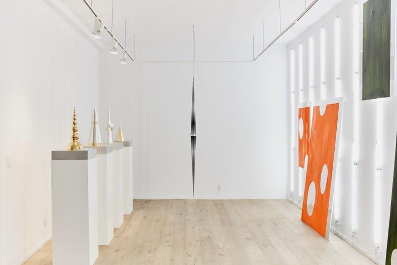 vista da exposição -- galeria nara roesler | new york, 2017 -- foto Will Wang © courtesia dos artistas e Galeria Nara Roesler