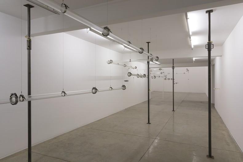 Laura Vinci Morro Mundo vista da exposição -- Galeria Nara Roesler | São Paulo, 2018 foto Everton Ballardin © courtesy of the artist and Galeria Nara Roesler