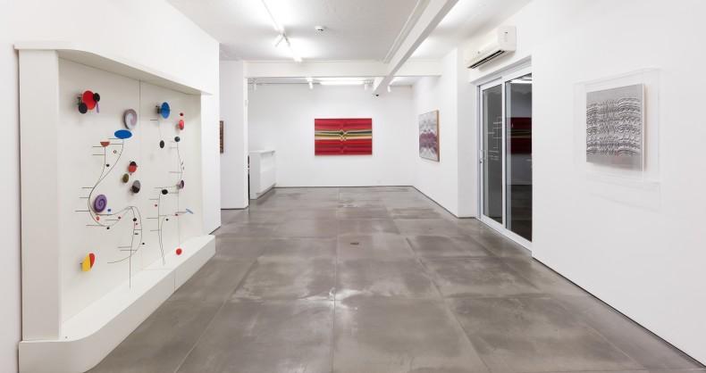 vista da exposição -- abraham palatnik: em movimento -- galeria nara roesler | rio de janeiro, 2018 -- foto © pat kilgore -- cortesia do artista e galeria nara roesler