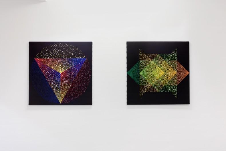 julio le parc: obras recentes, galeria nara roesler | rio de janeiro, 2018 -- vista da exposição -- foto ©...