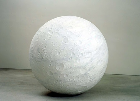 Not Vital Moon, 2018 mármore branco do condado de ZhengXing (China) 130 cm ø