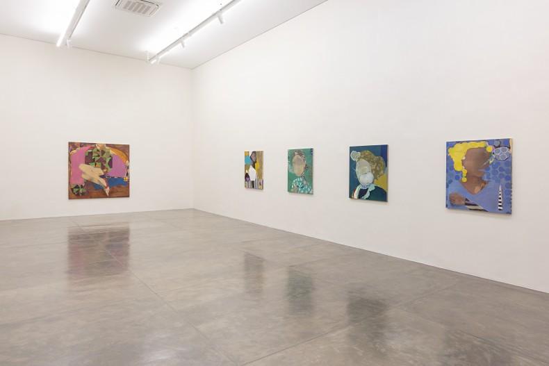 cristina canale: cabeças/falantes -- vista da exposição -- galeria nara roesler   são paulo 2018 -- foto © Everton Ballardin,...