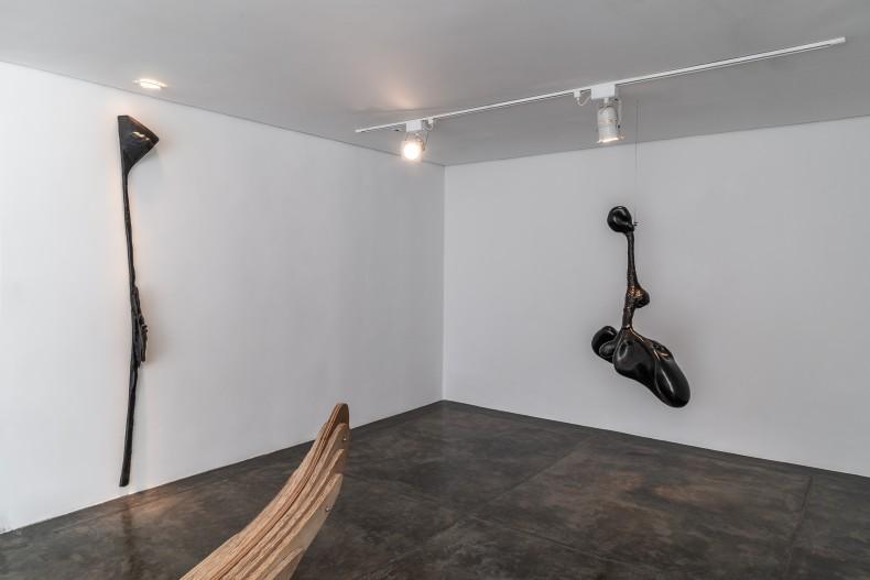 angelo venosa: penumbra -- vista da exposição -- galeria nara roesler | são paulo, 2019 -- foto © Erika Mayumi...