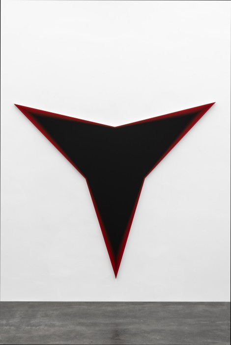 Philippe Decrauzat Black Should Bleed to Edge (Red), 2012 tinta acrílica sobre tela 191 x 220 x 3,5 cm