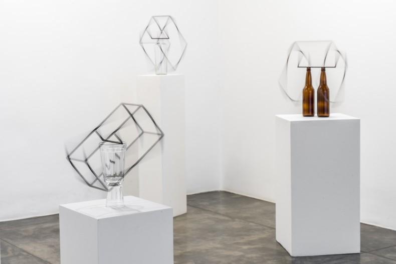 raul mourão: introdução à teoria dos opostos absolutos -- vista da exposição -- galeria nara roesler | são paulo, 2019...