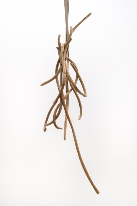 Marcelo Silveira Compacto com pacto, 2018 madeira 230 x 90 x 70 cm