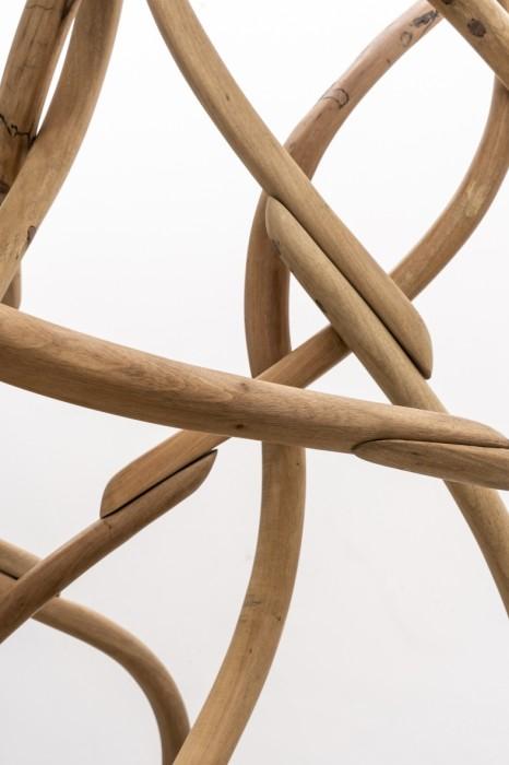 Marcelo Silveira Compacto com pacto [detalhe], 2018 madeira 230 x 90 x 70 cm