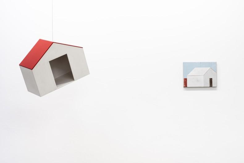 Raul Mourão Casa do Aquele, 2019 madeira e tinta acrílica 56 x 44 x 28 cm Fábio Miguez Sem título,...