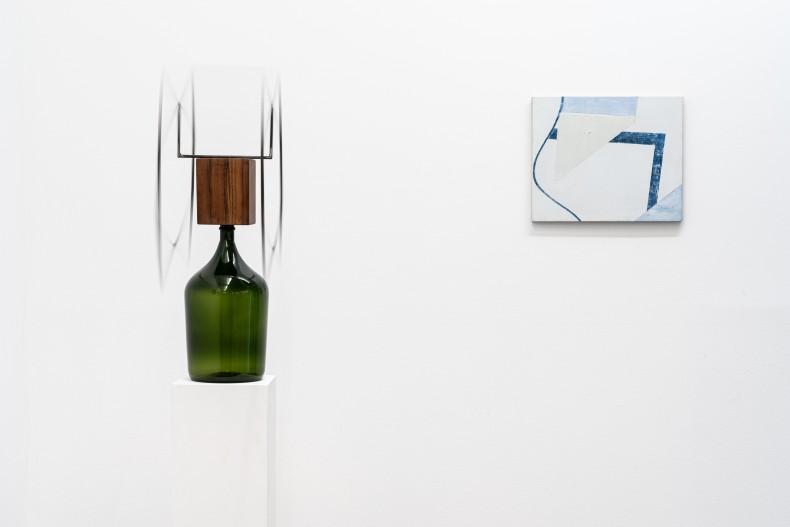 Raul Mourão Rolha, 2019 aço 1020 cm resina sintética e vidro 58 x 60 x 20 cm Fábio Miguez Bandeira,...