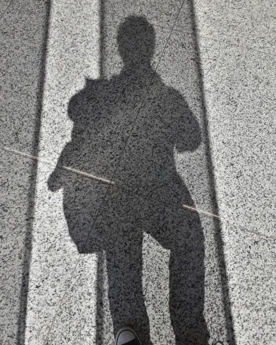 Vicente de Mello Self Shadow # 52, da série Quantas ASAS tem um pixel, 2019 impressão digital 33,7 x 27...