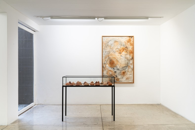 vista da exposição galeria nara roesler | são paulo, 2020 foto © erika mayumi
