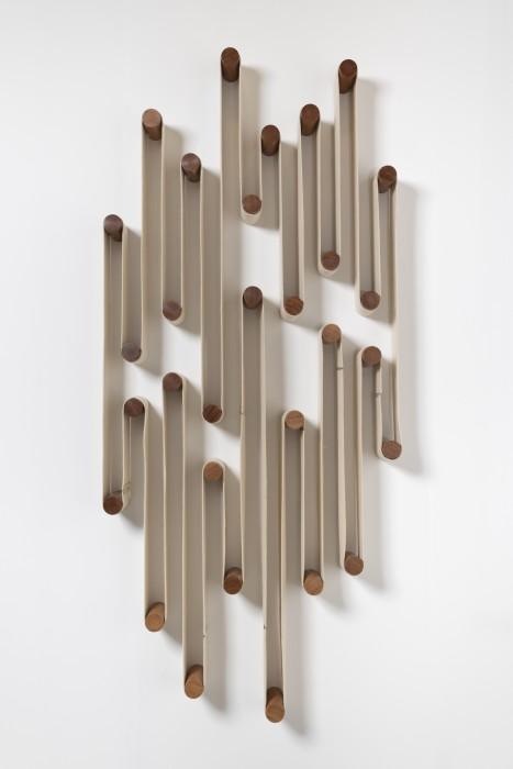 Artur Lescher Rio Léthê # 08, 2018 madeira cumaru e feltro 259 x 113 x 17 cm