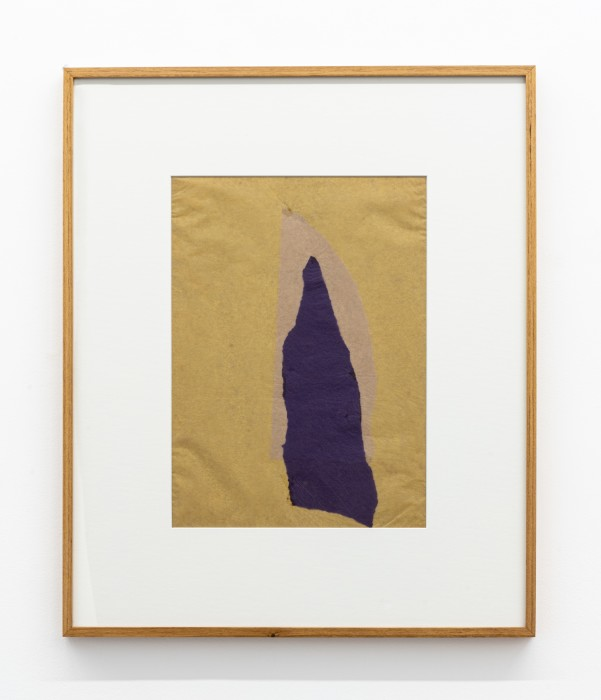 Colagem, 1958-59 sobreposição de papel de seda e papel de arroz tingido 38 x 28 cm | 15 x 11 in