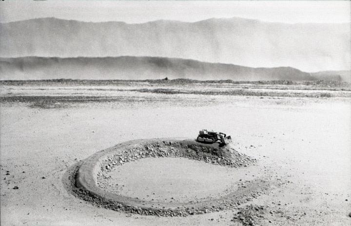 Vik Muniz Earthworks Brooklyn: Brooklyn, NY (Amarillo Ramp, a partir de Smithson), 1999/2013 c-print digital 50 x 78.5 cm