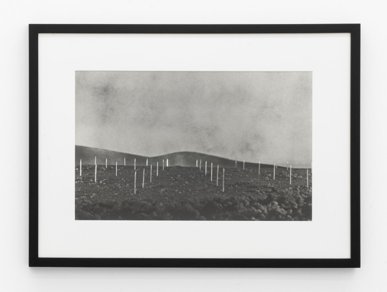 Vik Muniz Earthworks Brooklyn: Brooklyn, NY (Lightning Field, a partir de Walter de Maria), 1999/2013 c-print digital 50,3 x 75,9...