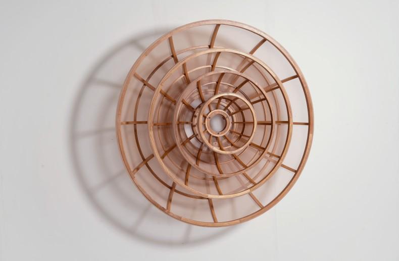 Marco A. Castillo Lourdes # 02, 2021 madeira mogno e tecido 150 x 150 x 50,4 cm