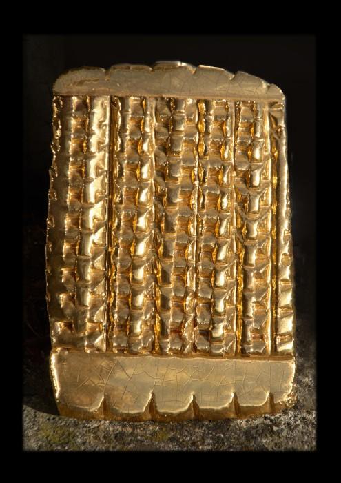 Heinz Mack Sem título, 2009 cerâmica vitrificada e ouro polido 25,5 x 17,5 x 3 cm
