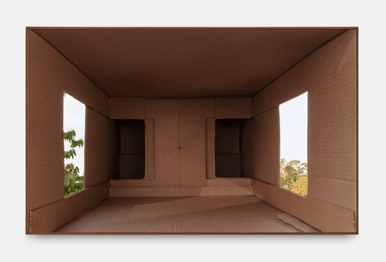 Lucia Koch Helmet_3, 2020 impressão em pigmento sobre papel algodão (verniz UV) 110 x 176 cm