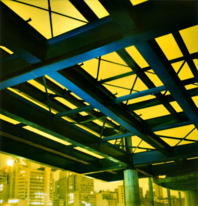 Fura-Fila #1, da série Noturnos São Paulo, 2002