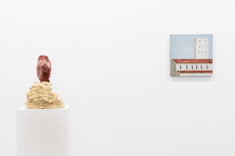 Brígida Baltar A Carne do Mar I, 2018 cerâmica esmaltada 34 x 25 x 28 cm Fábio Miguez Sem título,...