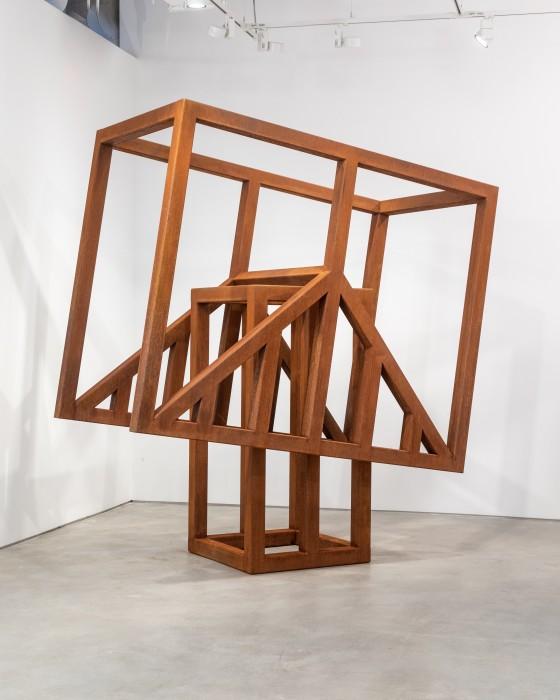 Raul Mourão Rebel # 05, 2021 aço corten 265 x 250 x 125 cm