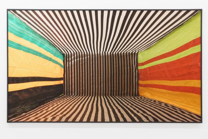 Lucia Koch Goods, 2020/2021 impressão em pigmento sobre papel algodão (verniz UV) 160 x 277 cm
