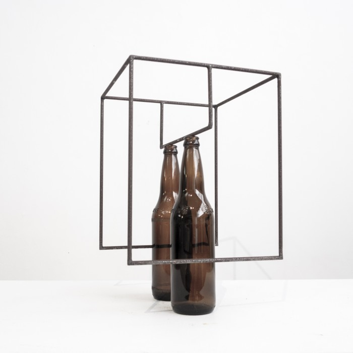 Raul Mourão Eu e cidade (to Marcelo), 2019 carbon steel with synthetic resin and glass 38,5 x 25 x 25 cm