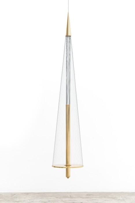 Artur Lescher Tulum, 2019 brass, bronze, green multifilament lines and steel cable 250 x Ø 40 cm / 98.4 x...