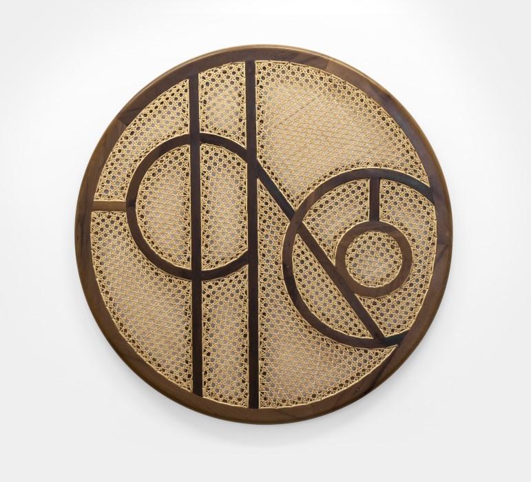 Marco A. Castillo Heriberto, 2017 madeira e vime / wood and rattan Ø 80 cm x 2,4 cm / Ø...
