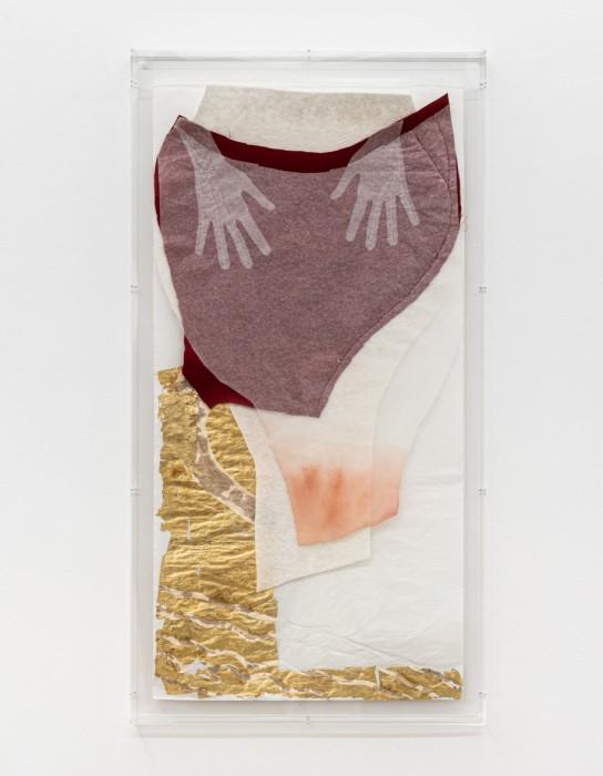 Karin Lambrecht Mãe, 2016 feltro de algodão, cetim e folhas de ouro sobre papel chinês cotton felt, satin and gold...