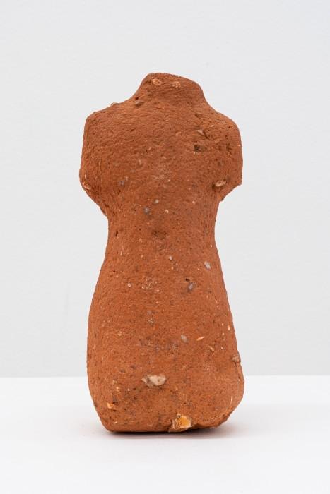 Brígida Baltar Venus, 1995 tijolos maciços / sculpted brick 22,4 x 10 x 7,5 cm