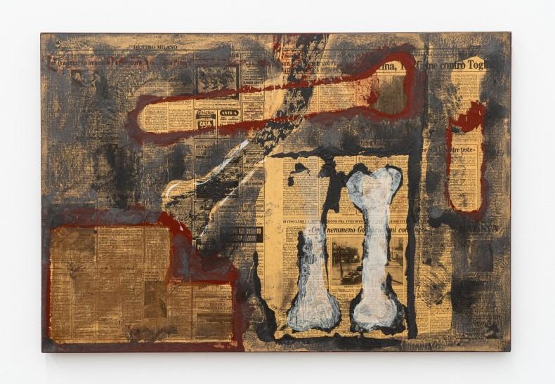 Antonio Dias Dois ossos, 1986 técnica mista sobre tela mixed media on canvas 56,2 x 82,4 x 2 cm 22.1 x 32.4 x 0.8 in