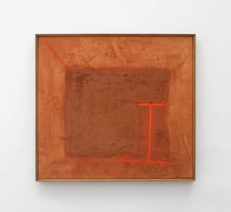 Karin Lambrecht Sem título, 2004 pigmento e terra sobre lona / pigments and soil on canvas 69 x 75 cm...