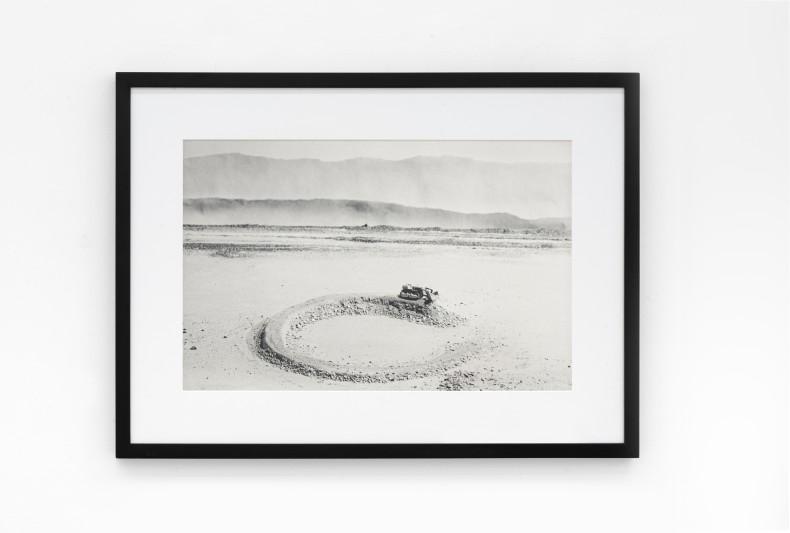 Vik Muniz Earthworks Brooklyn: Brooklyn, NY (Amarillo Ramp, a partir de Smithson), 1999/2013 c-print digital / digital c-print 50 x...