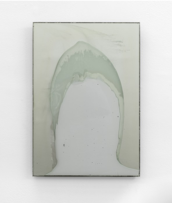 Carlito Carvalhosa Untitled (P92/11), 2011 resina sobre espelho / resin on mirror 70 x 50 cm / 27.6 x 19.7...
