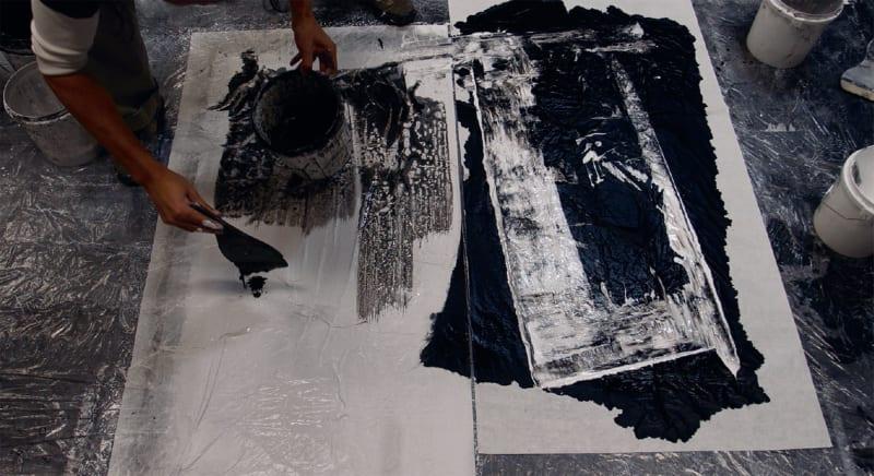 Zheng Chongbin at work on Two Fields 两个视界, August 18, 2012.