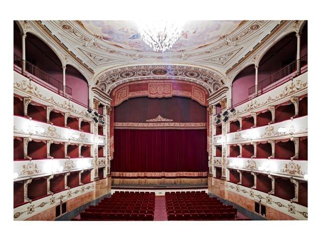 <div class=&#34;artist&#34;><strong>Candida Höfer</strong></div> (b. 1944) <div class=&#34;title&#34;><em>Teatro della Pergola Firenze II 2008</em></div> <div class=&#34;medium&#34;>C-print</div> <div class=&#34;dimensions&#34;>200 x 286 cm; (78 3/4 x 112 5/8 in.)</div> <div class=&#34;edition_details&#34;>Edition of 6 (#2/6)</div>