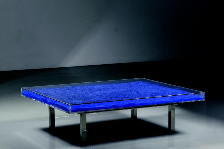 <div class=&#34;artist&#34;><strong>Yves Klein</strong></div> (1928 - 1962) <div class=&#34;title&#34;><em>Table Bleue Klein®</em>, 1961/1963</div> <div class=&#34;medium&#34;>International Klein Blue pigment, glass, plexiglass and steel</div> <div class=&#34;dimensions&#34;>37 x 125 x 100 cm; (14 5/8 x 49 1/4 x 39 3/8 in.)</div>